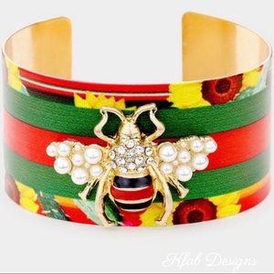 NEW! Honey Bee Color Block Print Pearl Bracelet